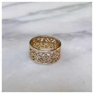 Jewelry - Wide Filigree Band Ring Size 5.5